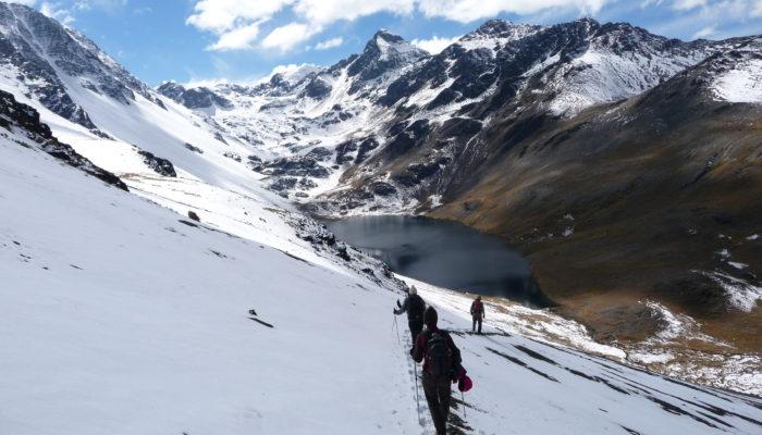 LAGUNA JURIKHOTA (4700 m alt.) - LAGUNA AJWANI (4615 m alt.)