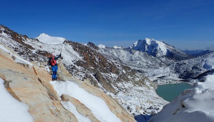 CAMP CERRO WILA LLUXITA (4.895 m alt) – CERRO MULLU APACHETA (5.400 m alt) - LA PAZ (3.600 m alt)