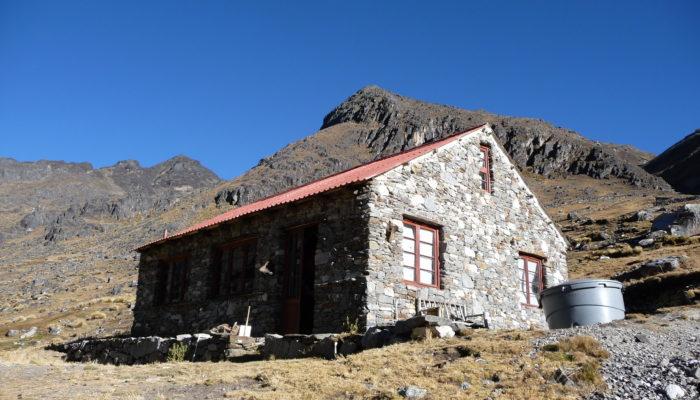 LA PAZ – LAGUNA KHOTIA – REFUGE SANTOS (4.400 m alt.)