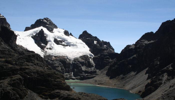 REFUGE SANTOS - LAGUNA TRES PICOS (4640M) - LAGUNA KHOTA PATA (4460M) - REFUGE SANTOS